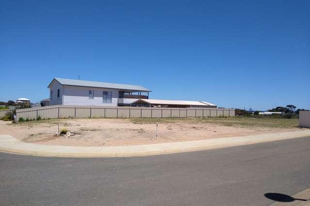 11 Woodward St, Moonta Bay SA 5558
