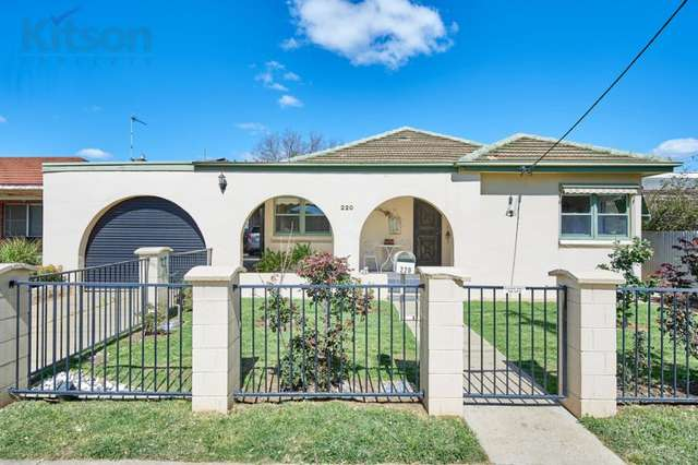 220 Kincaid Street, Wagga Wagga NSW 2650