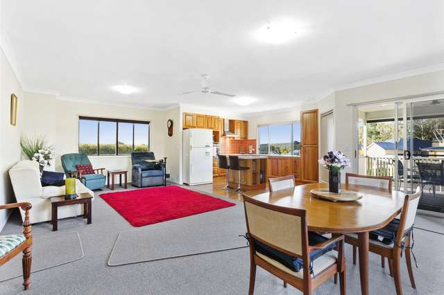 17 Samuel Ave, Crows Nest QLD 4355