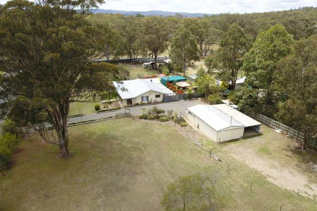 2 East Side Road, Crows Nest QLD 4355