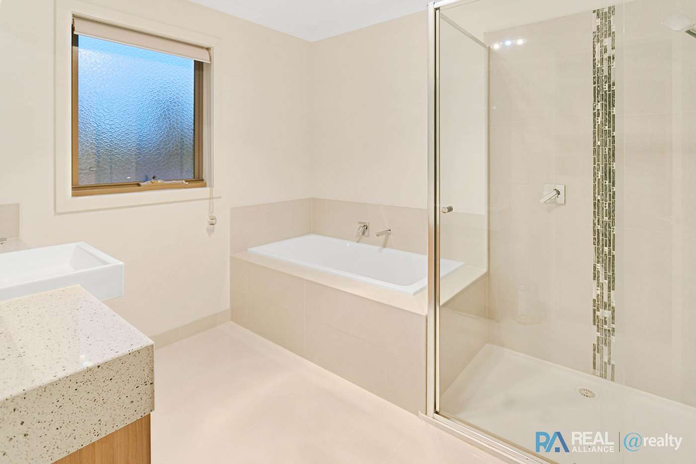 Main view of Homely townhouse listing, 1/72 Lynbrook Boulevard, Lynbrook VIC 3975