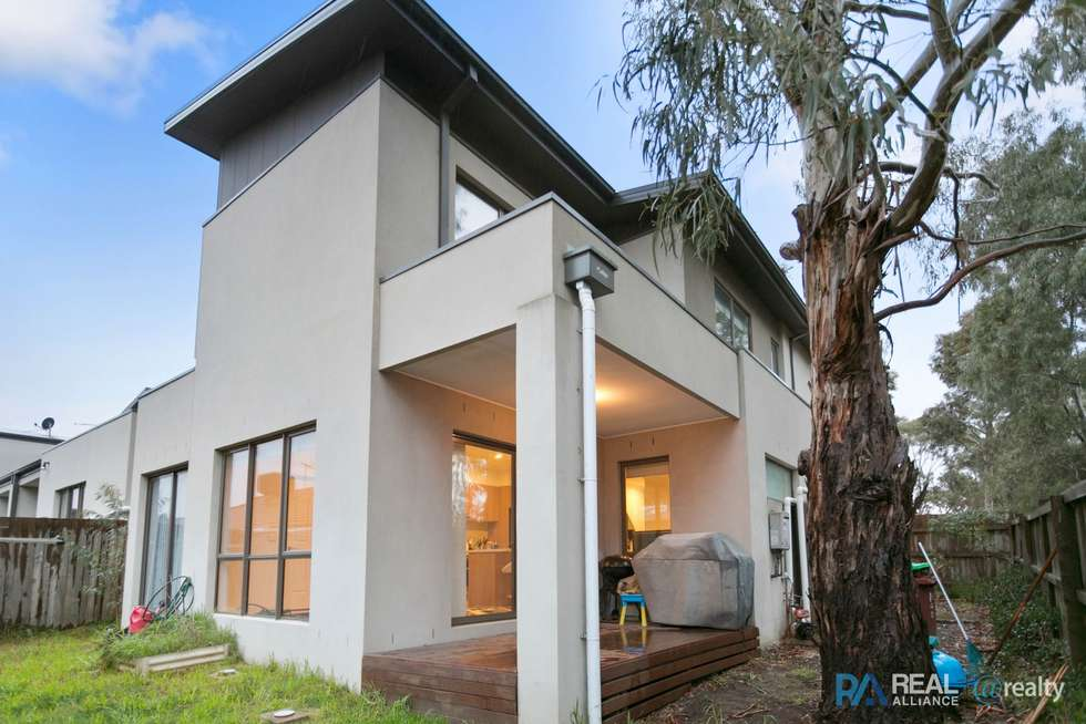 Second view of Homely townhouse listing, 1/72 Lynbrook Boulevard, Lynbrook VIC 3975