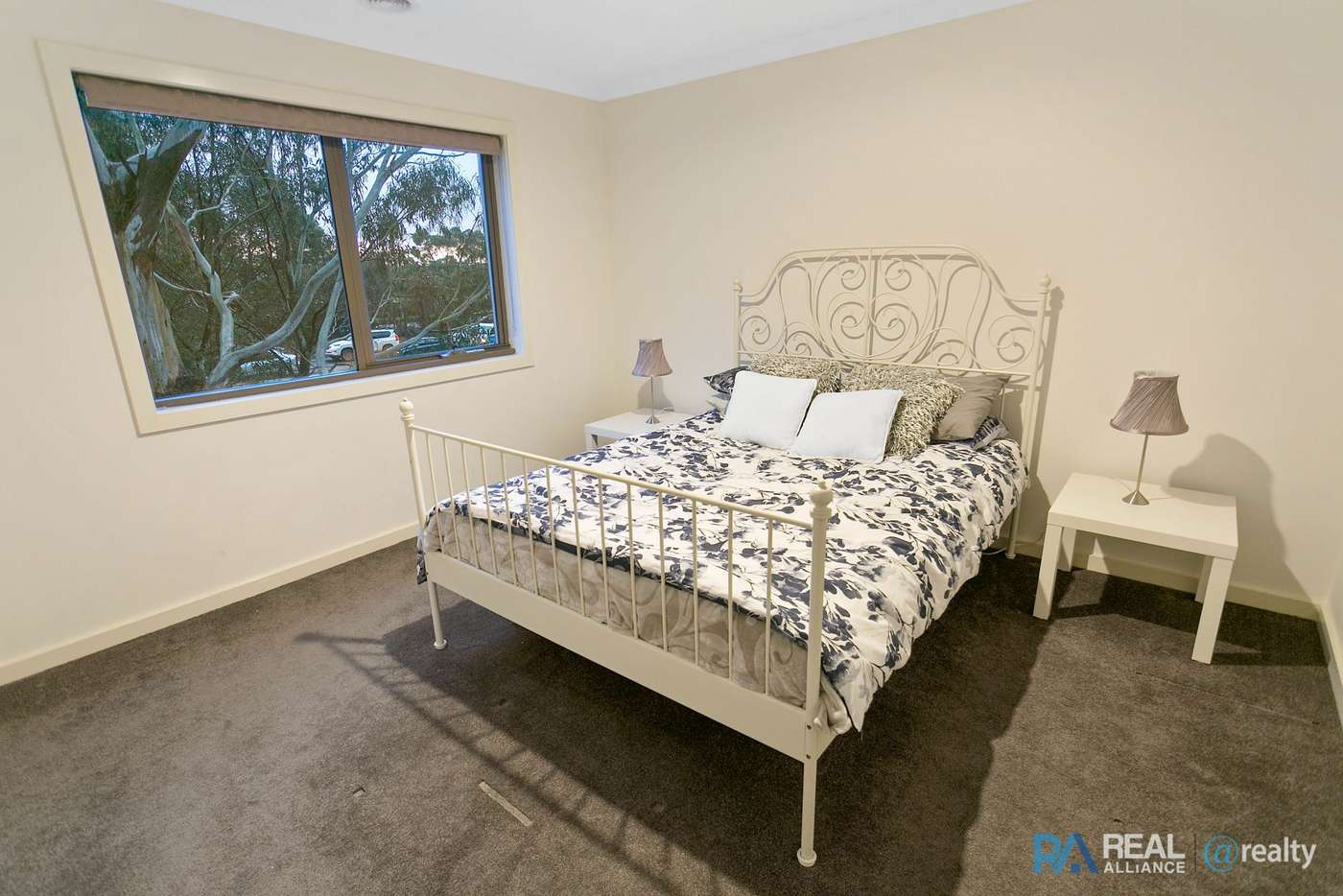 Sixth view of Homely townhouse listing, 1/72 Lynbrook Boulevard, Lynbrook VIC 3975