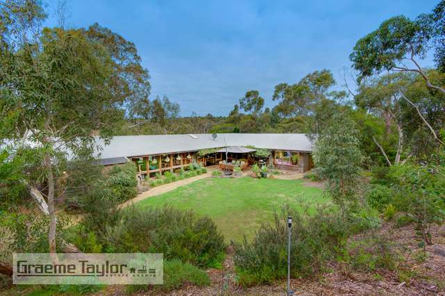 32 Dog Rocks Road, Batesford VIC 3213