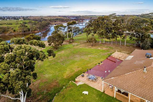 25 Lark Rd, Exford VIC 3338
