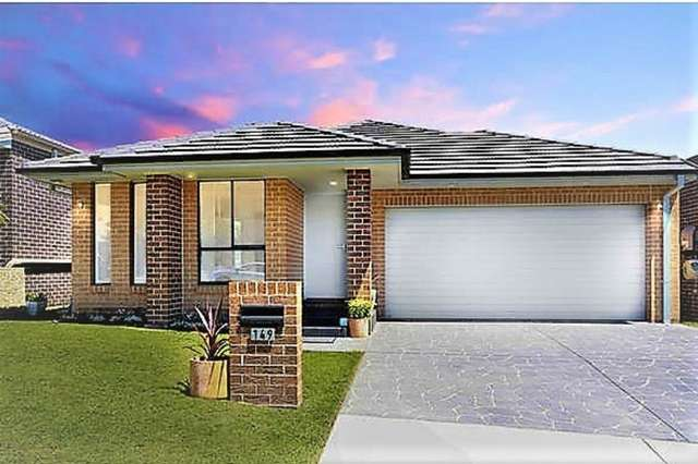149 Robey Avenue, Middleton Grange NSW 2171