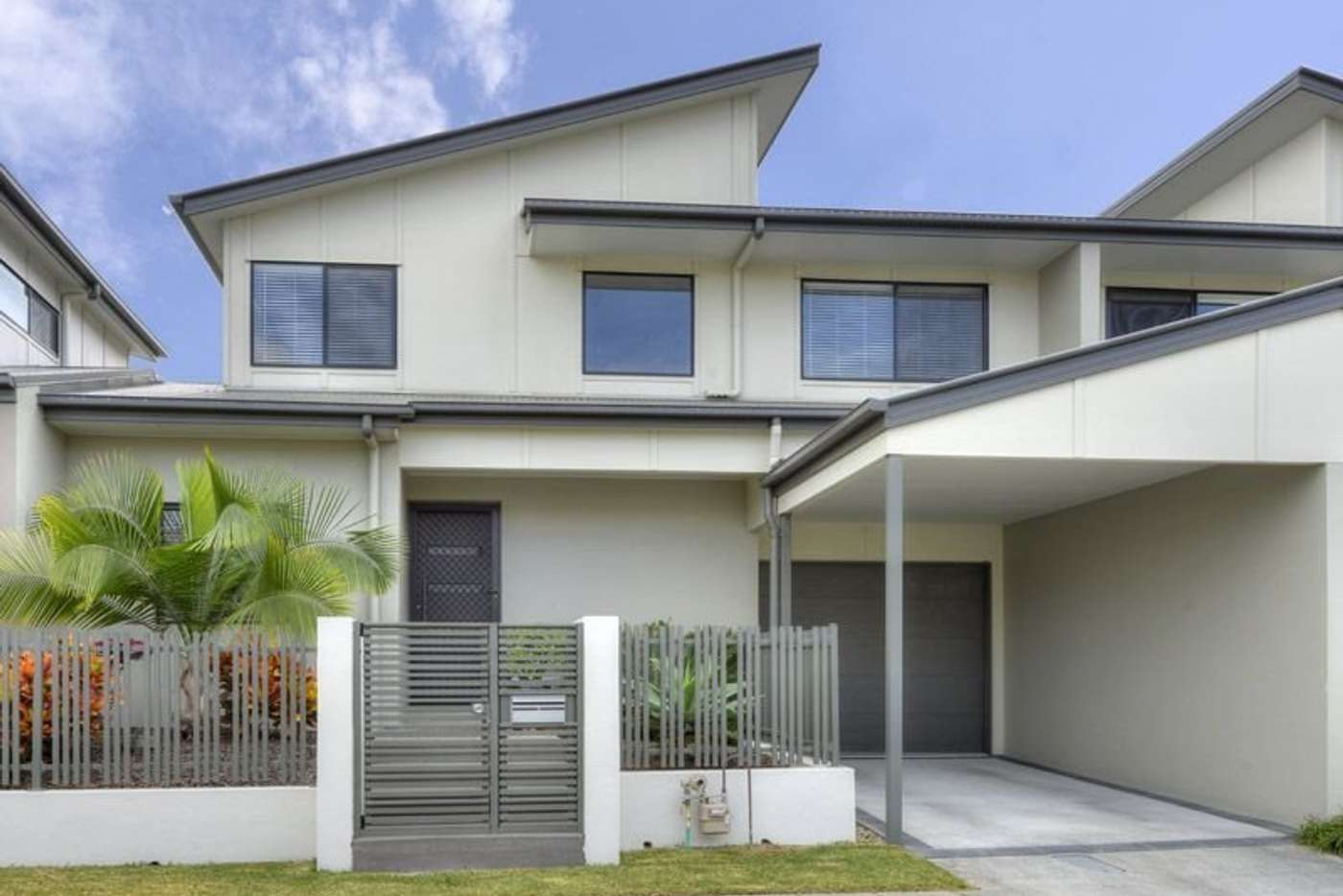 Main view of Homely townhouse listing, 12 Reach Place, Bulimba QLD 4171