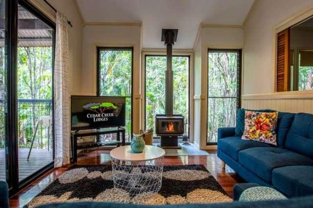 5 Tamborine Mountain Road, Tamborine QLD 4270