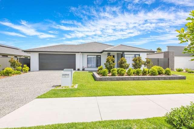 51 Caraway Crescent, Banksia Beach QLD 4507