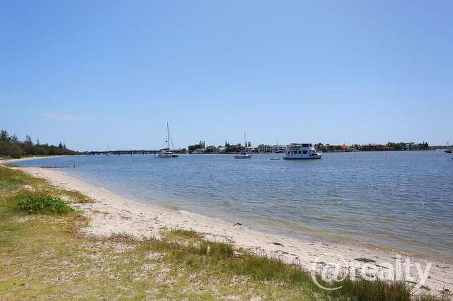 2/13 Bruce Avenue, Paradise Point QLD 4216