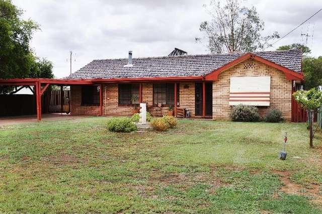 165 Third Ave, Narromine NSW 2821