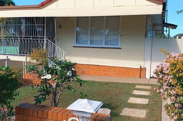 11 Rutherford St, Stafford Heights QLD 4053