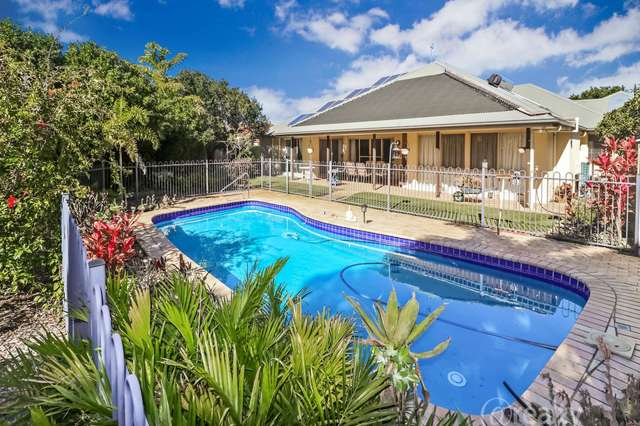 4 Stingray Harbour Court, Pelican Waters QLD 4551