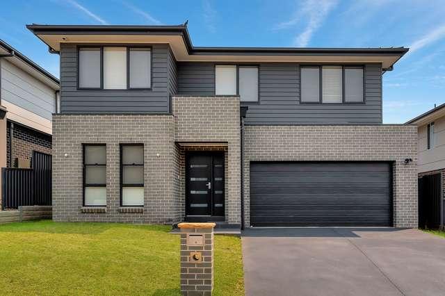 11 Flying Ave, Middleton Grange NSW 2171