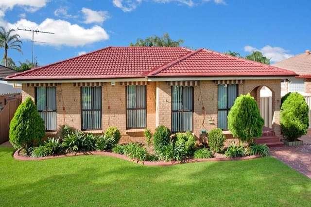 72 Tallagandra Drive, Quakers Hill NSW 2763