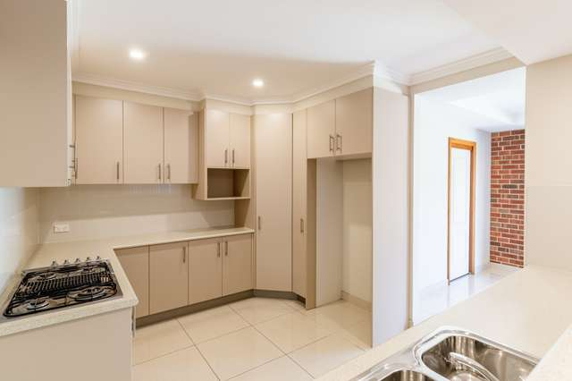 5/17-19 Greenfinch Street (also known as unit 11), Green Valley NSW 2168