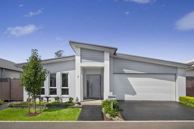 8 Icarus Way, Leppington NSW 2179