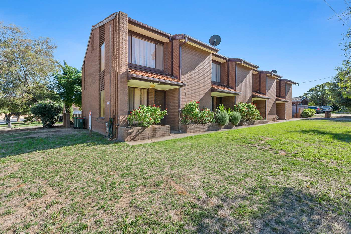 Main view of Homely unit listing, 1/7 Nordlingen Drive, Tolland NSW 2650