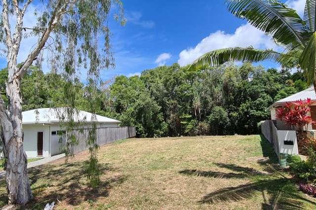 16 Kurt Close, Palm Cove QLD 4879