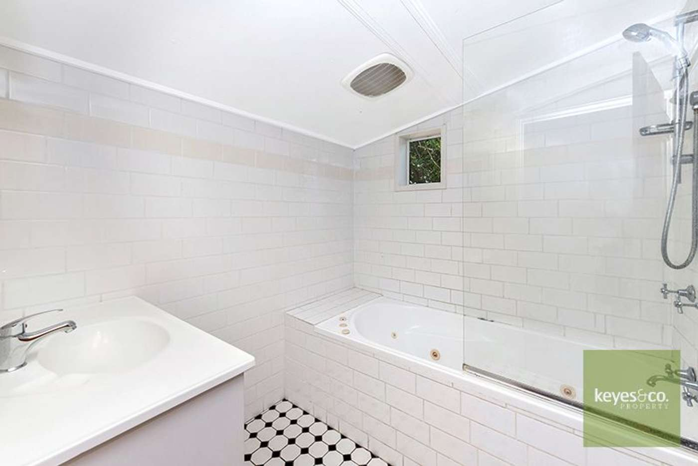 Sixth view of Homely house listing, 33 Estate Street, West End QLD 4810