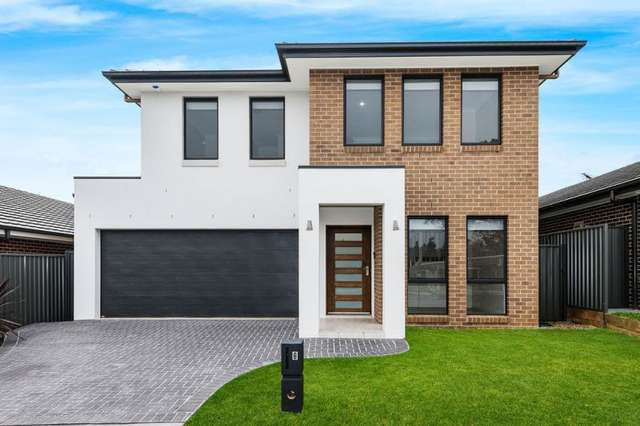 8 Poulton Terrace, Campbelltown NSW 2560