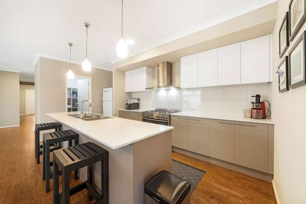 Fifth view of Homely house listing, 8 Polesden Mews, Roxburgh Park VIC 3064