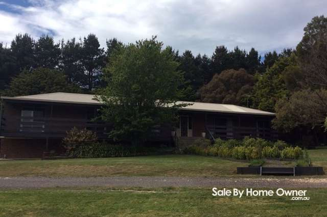 261 Harpers Rd, Woodend VIC 3442
