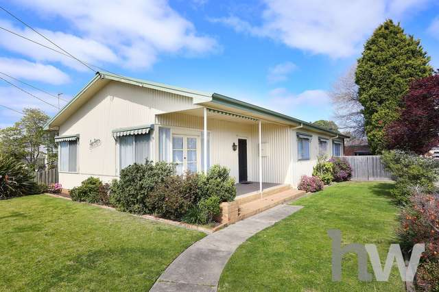 16 Glover St, Newcomb VIC 3219