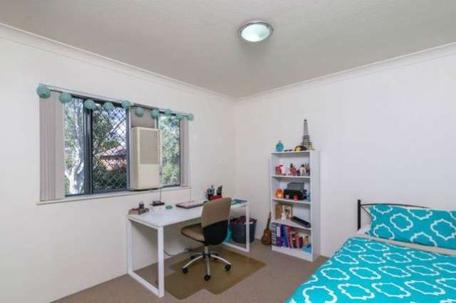 76/300 Sir Fred Schonell Drive, St Lucia QLD 4067