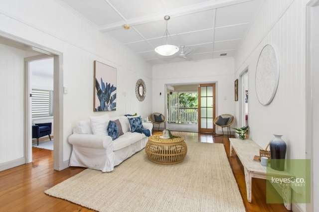 34 Carmody Street, Hermit Park QLD 4812