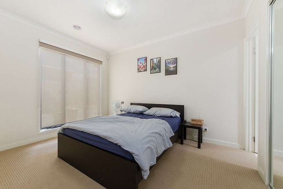 Fifth view of Homely house listing, 19 Wallflower Close, Craigieburn VIC 3064