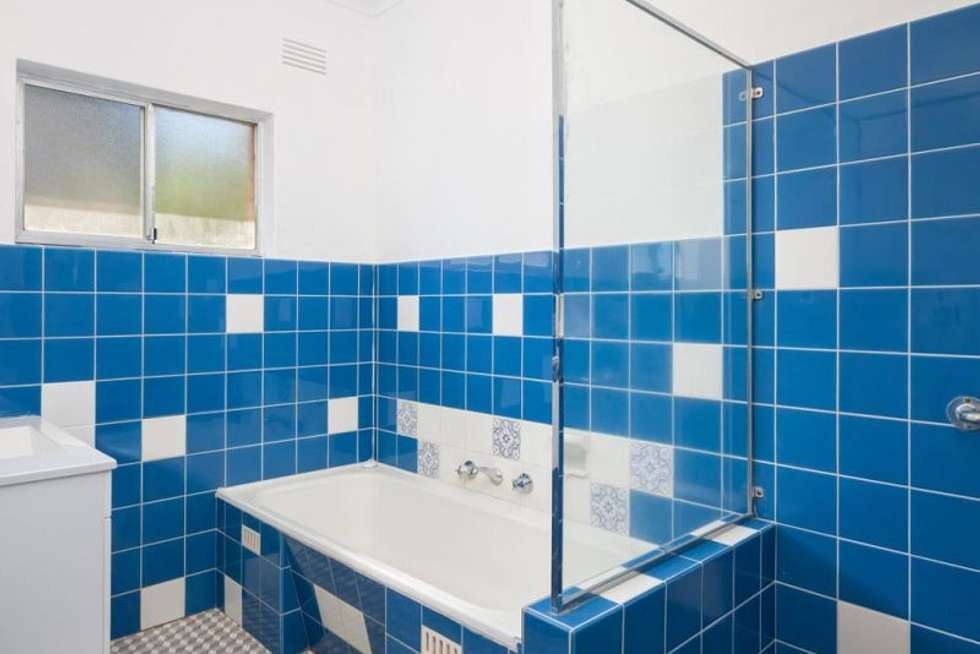 Fourth view of Homely house listing, 5 Ellimo Place, Kooringal NSW 2650