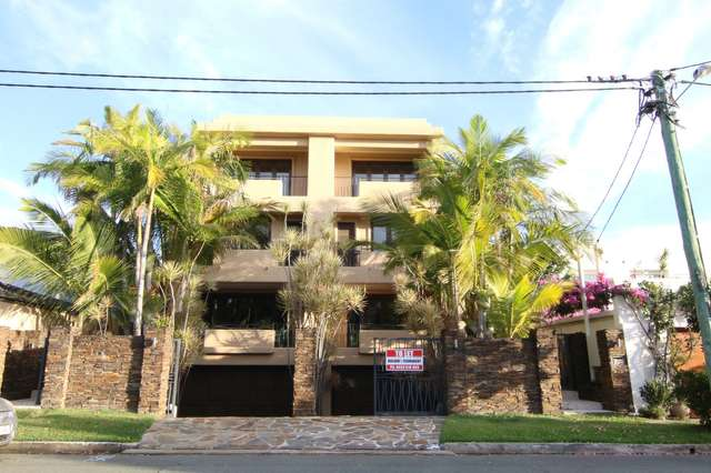2/42 Cronin Avenue, Main Beach QLD 4217
