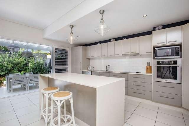 1/3 Sandown Avenue, Bundall QLD 4217