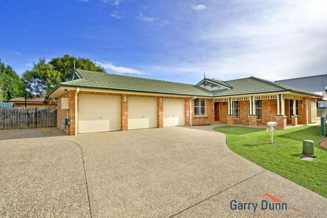 14 Derwent Crt, Wattle Grove NSW 2173