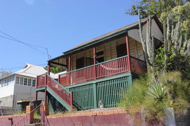27 Bancroft St, Kelvin Grove QLD 4059