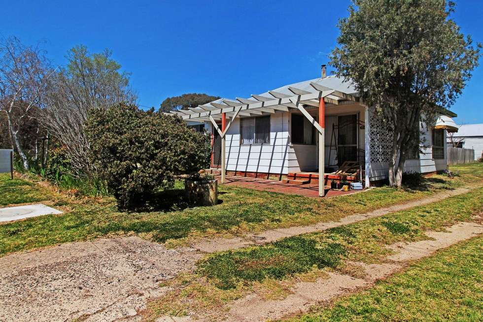 Second view of Homely acreageSemiRural listing, 28 Dumaresq Street, Uralla NSW 2358