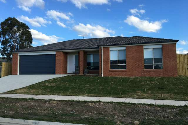 22 Graduation Place, Churchill VIC 3842