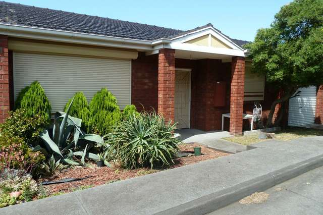 2/13 Laura Grove, Avondale Heights VIC 3034