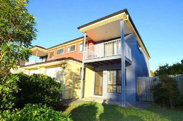 7/31 Archipelago Street St, Pacific Pines QLD 4211