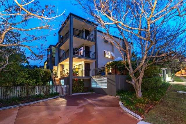 1/110 Indooroopilly Rd