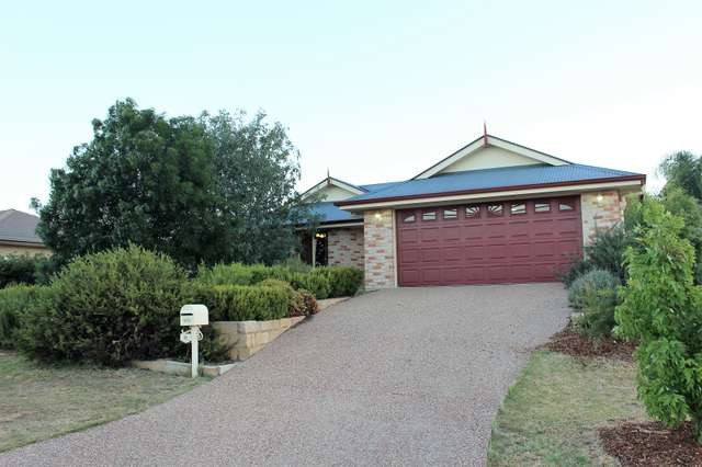 11 Coulsell St, Warwick QLD 4370