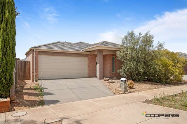 26 Hollybrook St, Melton South VIC 3338