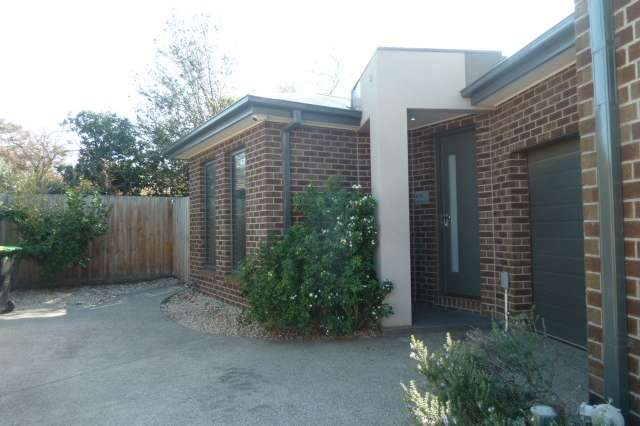 4/15 Cresswold Avenue, Avondale Heights VIC 3034