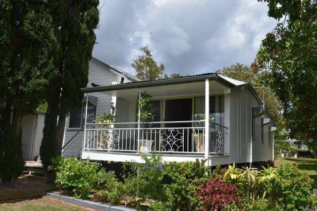 28 West St, Mount Morgan QLD 4714