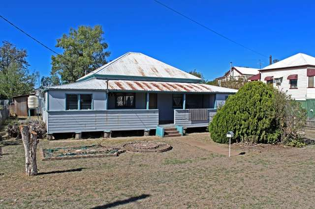 37 Regent St, Inglewood QLD 4387