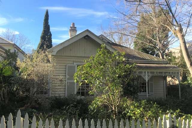 18 Hopetoun Avenue, Canterbury VIC 3126