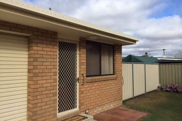 Unit 4/11 Barth St, Warwick QLD 4370