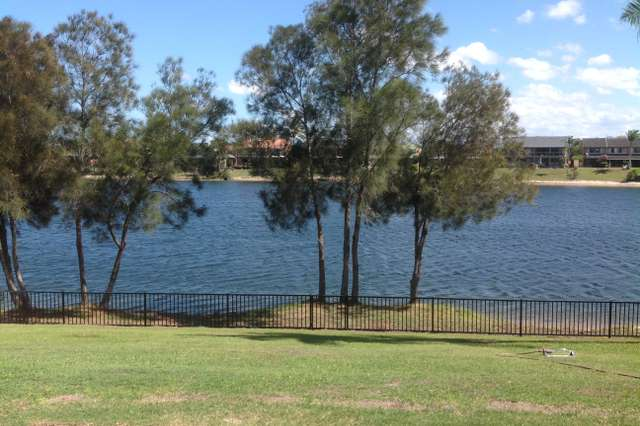 32 Honeyeater Dr, Burleigh Waters QLD 4220