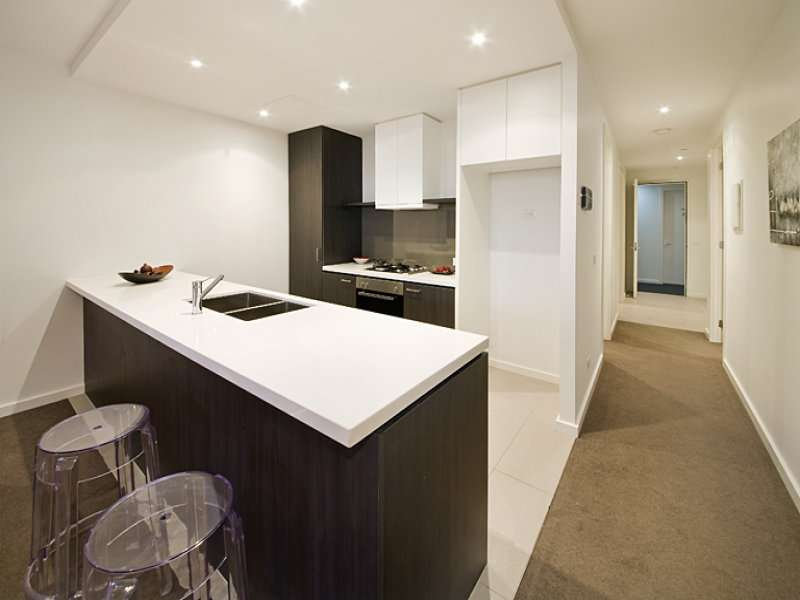 Main view of Homely apartment listing, 2/18 Warleigh Grove, Brighton, VIC 3186